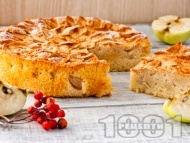 Здравословен кекс / сладкиш с ябълки, дюли, орехи, канела, кафява захар и брашно от лимец